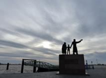 ZaM 5.12.2015 Auswanderer Denkmal